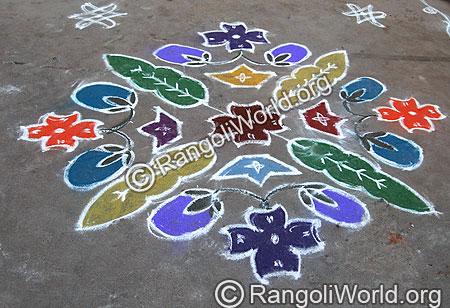 Brinjal and leaves Kolam With dots